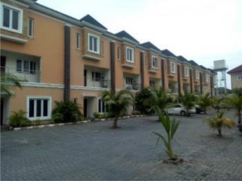 4 Bedroom Flat, London, Osapa, Lekki, Lagos, Terraced Duplex for Sale