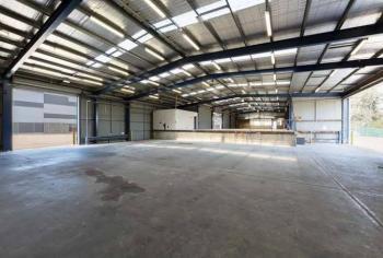 a Warehouse, Olusegun Obasanjo Way, Akure, Ondo, Warehouse for Rent