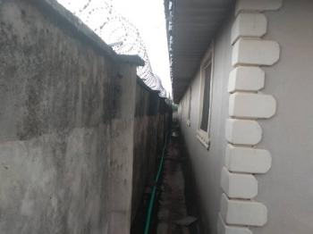5 Unit of 2 Bedrooms on Over 1 Plots of Land, Benin Garage Ado Road Akure North Local Government Ondo State., Akure, Ondo, Flat for Sale