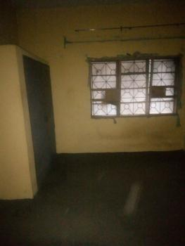 Spacious Room in a Flat, Off Randle Avenue, Ogunlana, Surulere, Lagos, Flat for Rent