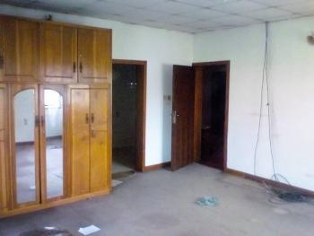 2 Bedroom Flat, Onike, Yaba, Lagos, Flat for Rent