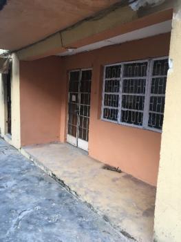 Renovated 3 Bedroom Flat, 20 Obayan Street, Akoka, Yaba, Lagos, Flat for Rent