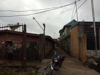 800sqm Land with Bungalow, Olaiya Street, Mafoluku, Oshodi, Lagos, Residential Land for Sale