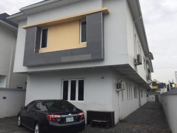 Spacious 2 Bedroom Flat, Off Omorinre Johnson, Lekki Phase 1, Lekki, Lagos, Flat for Rent