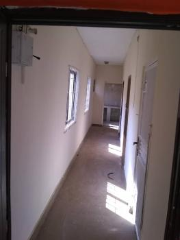 Sweet 2bed, Yaba, Lagos, Flat for Rent
