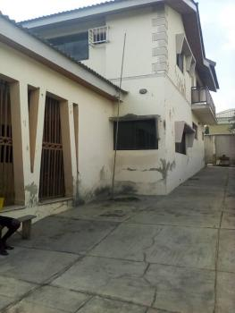 Sound and Spacious 5-bedroom Detached House in a Fantastic Location, Green Gate Avenue, Oluyole Estate, Ibadan, Oyo, Detached Duplex for Sale