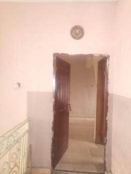 Fantastic Three Bedroom, Yaba, Lagos, Flat for Rent