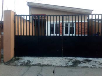2 Bedroom Bungalow with Bq, Lawanson, Surulere, Lagos, Detached Bungalow for Sale