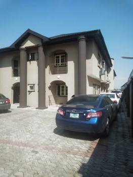 3 Bedroom Flat, Master Bedroom En-suite, Magodo, Lagos, Flat for Rent