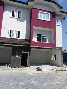 Service 3bedrooms with Bq, Lekki Right By Pinnacle Filling Station, Lekki Phase 1, Lekki, Lagos, Terraced Duplex for Rent