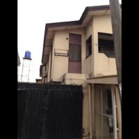 a Spacious 3 Bedrooms Flat, Surulere, Lagos, Flat / Apartment for Rent