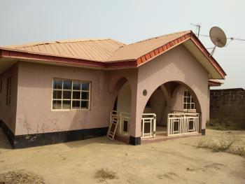 3 Bedroom Bungalow, Olodo Bank Junction, Ibadan, Oyo, Detached Bungalow for Sale