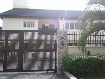 Beautiful 4 Bedroom Flat Penthouse with a Bq, Lekki Phase 1, Lekki, Lagos, Flat for Rent