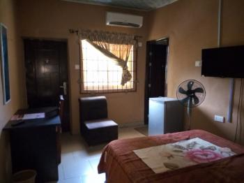 Exquisite Room (furnished & Serviced), Off Oshuntokun Avenue, Old Bodija, Ibadan, Oyo, Self Contained (single Rooms) for Rent