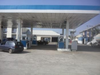 Functional Filling  in  Abuja, Airport Express Road, Central Area Phase 2, Abuja, Filling Station for Sale