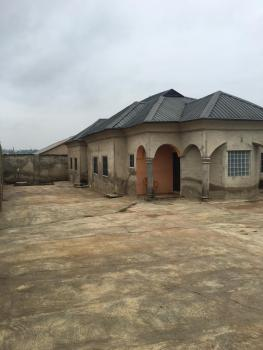3 Bedroom Flat, All Room Ensuite with Ante Room, Security Gate Etc, Ibadan, Oyo, Detached Bungalow for Sale