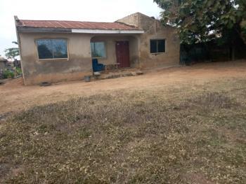 3 Bedroom Bungalow on a Plot of Land, Off Olonda/akobo Road Olonda Market ., Akobo, Ibadan, Oyo, Detached Bungalow for Sale