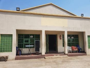 Commercial Bungalow, Bolade Oshodi, Mafoluku, Oshodi, Lagos, Plaza / Complex / Mall for Rent