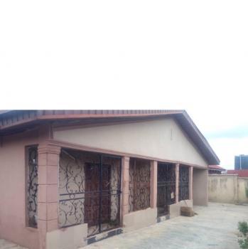 5 Bedroom Bungalow with 3 Living Room, Asanmaja, Moniya, Ibadan, Oyo, Detached Bungalow for Sale