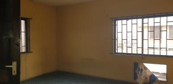 Spacious 3 Bedroom Flat ( Upstairs), Chemist, Akoka, Yaba., Akoka, Yaba, Lagos, Flat for Rent