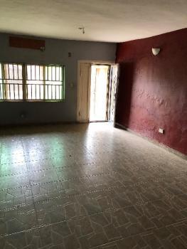 3 Bedroom Flat, 2 Rooms En-suite, Magodo, Lagos, Flat for Rent