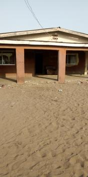Demolish-able 12 Rooms Sitting on 650sqm Land, Off Lawson, Ojuelegba, Surulere, Lagos, Mixed-use Land for Sale