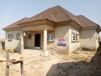 Nice 3bedroom Bungalow at Light Gold Estate, Light Gold Estate Lugbe Airport Road Abuja Nigeria, Lugbe District, Abuja, Detached Bungalow for Sale