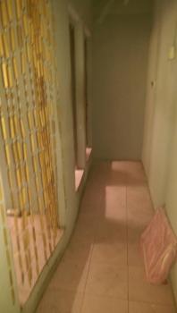 2 Bedroom, Ebute Metta East, Yaba, Lagos, Flat for Rent