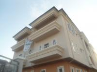 Exclusive 3 Bedroom Flat + Boys Quarters, Lekki Expressway, Lekki, Lagos, 3 Bedroom, 4 Toilets, 3 Baths Flat / Apartment For Sale
