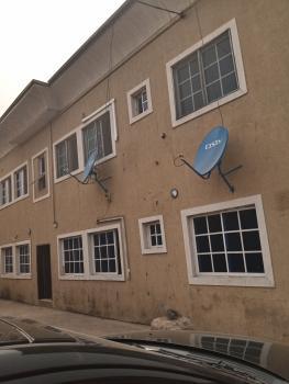 Spacious 3bedroom Flat, Ekololu Street Off Ogunlana Drive, Ogunlana, Surulere, Lagos, Flat for Rent