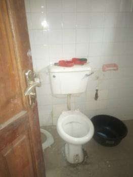 3 Bedroom Flat, Old Yaba Road, Ebute Metta East, Yaba, Lagos, Flat for Rent