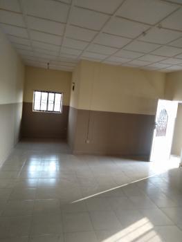 Luxury 2 Bedroom Flat with Necessary Facilities, Off Ikorodu Road, Okeriya Ikorodu Lagos, Agric, Ikorodu, Lagos, Flat for Rent