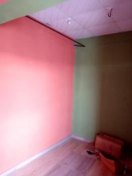 Neat, Spacious and Strategically Located Shop (upstairs), Aleshinloye Market, Ibadan, Oyo, Shop for Sale