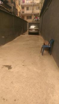 3 Bedroom Flat, 2 Toilet 3 Wardrobe with Car Park, Ebute Metta East, Yaba, Lagos, Flat for Rent