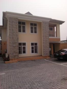 a Well Maintained 3bedroom Flat with Spacious Compound for Commercial, Lekki Right, Lekki Phase 1, Lekki, Lagos, Flat for Rent