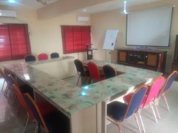 Meetings, Trainings and Seminars, Suite F5, Emmanuels Place, Beside Clj Event Center, By Ventura Sango, Samonda, Ibadan, Oyo, Conference / Meeting / Training Room for Rent