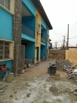 3 Bedrooms Flat. 2 Toilets, 1 Shower, Ibidun Street, Surulere, Lagos, Flat for Rent
