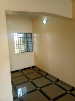 2 Bedrooms Flat Upstairs, Mtn Mast Ugbor Gra, Benin, Oredo, Edo, Mini Flat for Rent