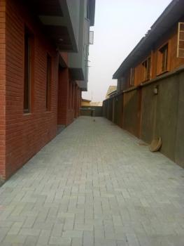 4bedroom Terrace Duplex, Obanikoro Estate, Obanikoro, Shomolu, Lagos, Terraced Duplex for Sale