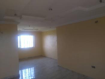 Nice 3 Bedroom Flat, Bello Way, By Ishaga Road, Ojuelegba, Surulere, Lagos, Flat for Rent