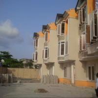 4 Bedroom Town Houses, Onike, Yaba, Lagos, 4 bedroom, 5 toilets, 4 baths Terraced Duplex for Sale