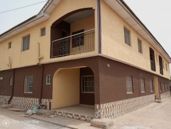 2 Bedroom Flat, Balogun Bus Stop, Eruwen, Off Awolowo Road, Erunwen, Ikorodu, Lagos, Flat for Rent