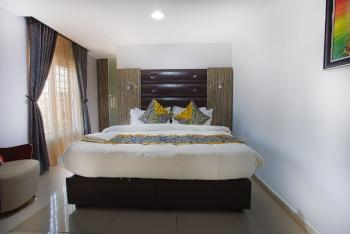 Luxury 1 Bedroom Apartment, Off Adebayo Doherty, Lekki Phase 1, Lekki, Lagos, Flat Short Let