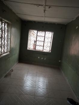 2 Bedroom Medium Size, Aturashe Street Off Ishaga Road., Ojuelegba, Surulere, Lagos, Flat for Rent