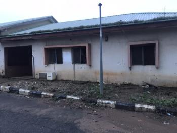 Old 3 Bedrooms Semi Detached Bungalow with Domestic Quarters Space., Off Ademola Adetokunbo Crescent., Wuse 2, Abuja, House for Sale