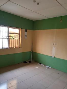 a Fairly Used and Spacious Mini Flat, Onipanu, Shomolu, Lagos, Mini Flat for Rent