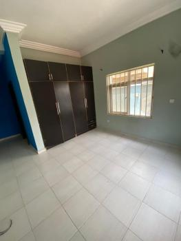 Shared Self Contained, Chevron Drive, Lekki, Lagos, Self Contained (single Rooms) for Rent