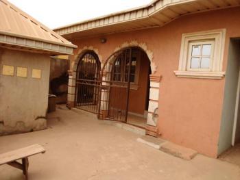 4 Bedroom Bungalow with Bq, Gbekuba Area After Baptist School, Ibadan, Ido, Oyo, House for Sale