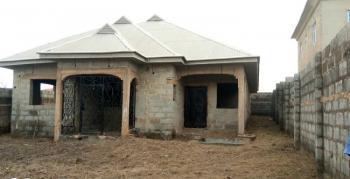 4 Bedroom Bungalow, Ilé Tuntun Area Off Nihort Jericho Road Ibadan, Ido, Oyo, Terraced Bungalow for Sale