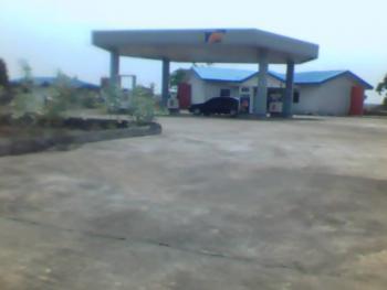 Functional 6 Pumps Filling Station on 2,375 Square Meters Land, Oando Filling Station, Along Abuja-lokoja Road, Kwali, By Mamu Oil, Kwali, Abuja, Filling Station for Sale